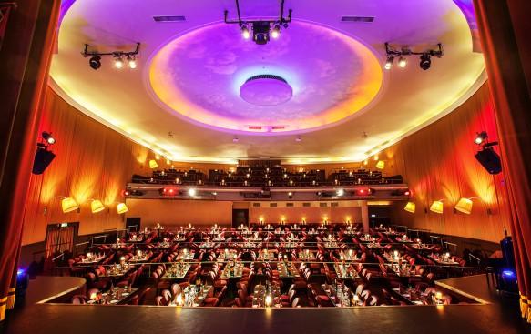 Theatersaal (400 Plätze)